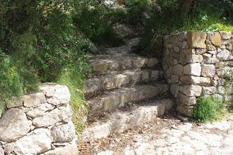 Photo: Nuovi scalini per mantenere l'accesso ai fondi a monte di via Campanella