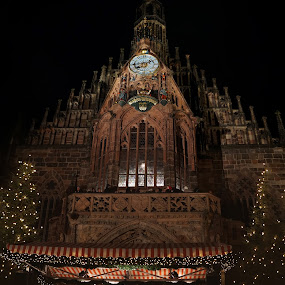 Nürnberg Xmas market by Michel Andries - Buildings & Architecture Public & Historical ( christkindlmarkt, xmas, wide angle, nürnberg, germany, composite )