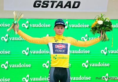 Mathieu van der Poel trekt als fiere leider de bergen in