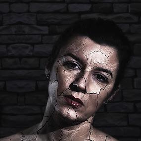 Stone women by Tiberiu Stefan  Simion - Digital Art People ( home, model, cracks, white, dark, stone, light\, beauty, women, black )