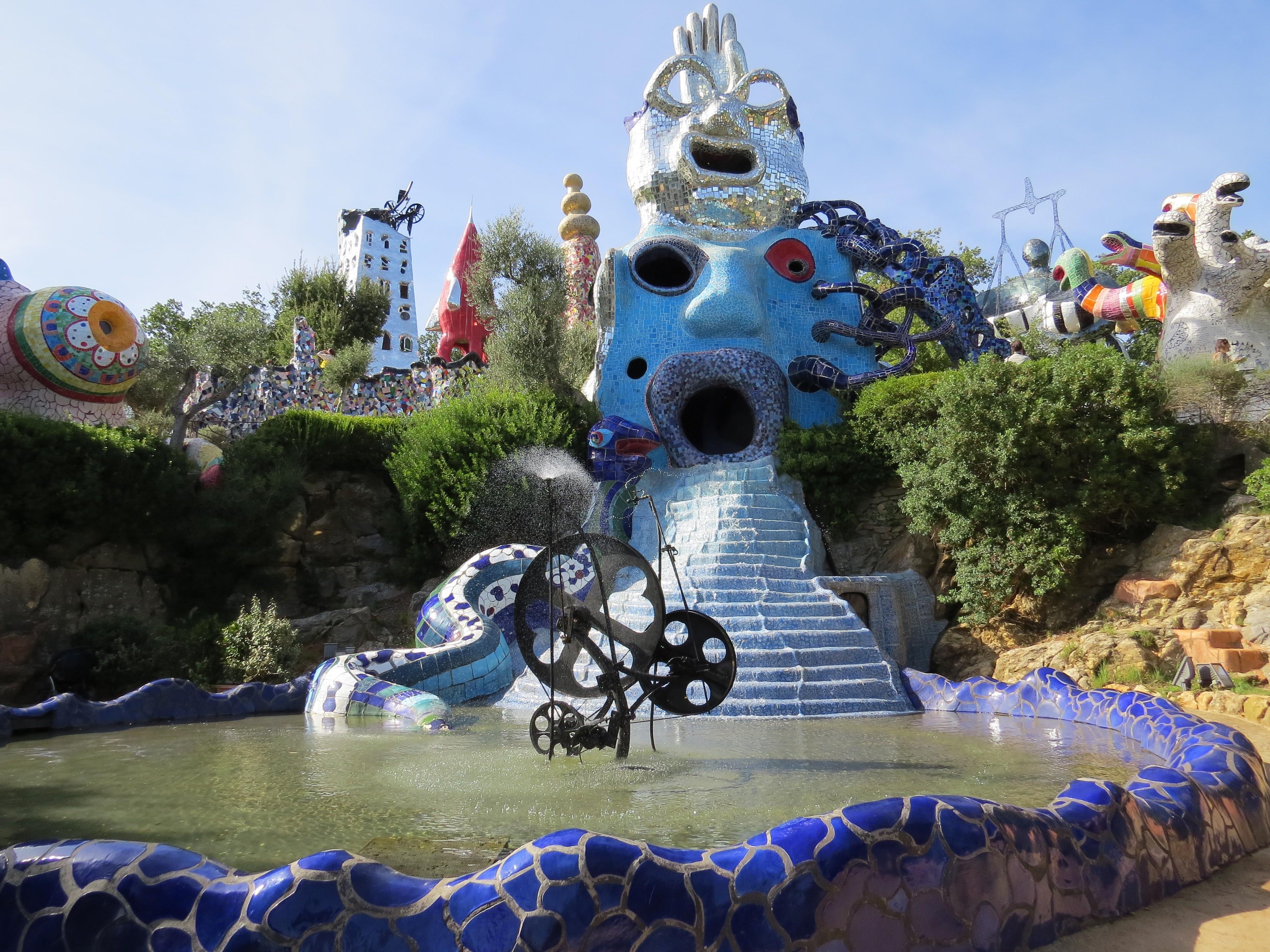 Niki de Saint Phalle, Il Mago, La Papessa, Giardino dei Tarocchi, Capalbio