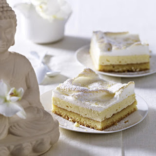Cheesecake Bars with Meringue