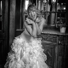 Kisses For You by Marco Bertamé - Black & White Portraits & People ( bride, smiling, woman, white, young, robe, lady, blond, joyful, smile,  )