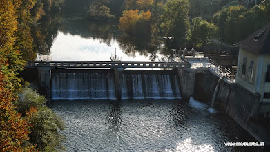 Photo: auf der traunfallbrücke noch ein foto runter nach siebenbrunn, wo wir am anfang waren