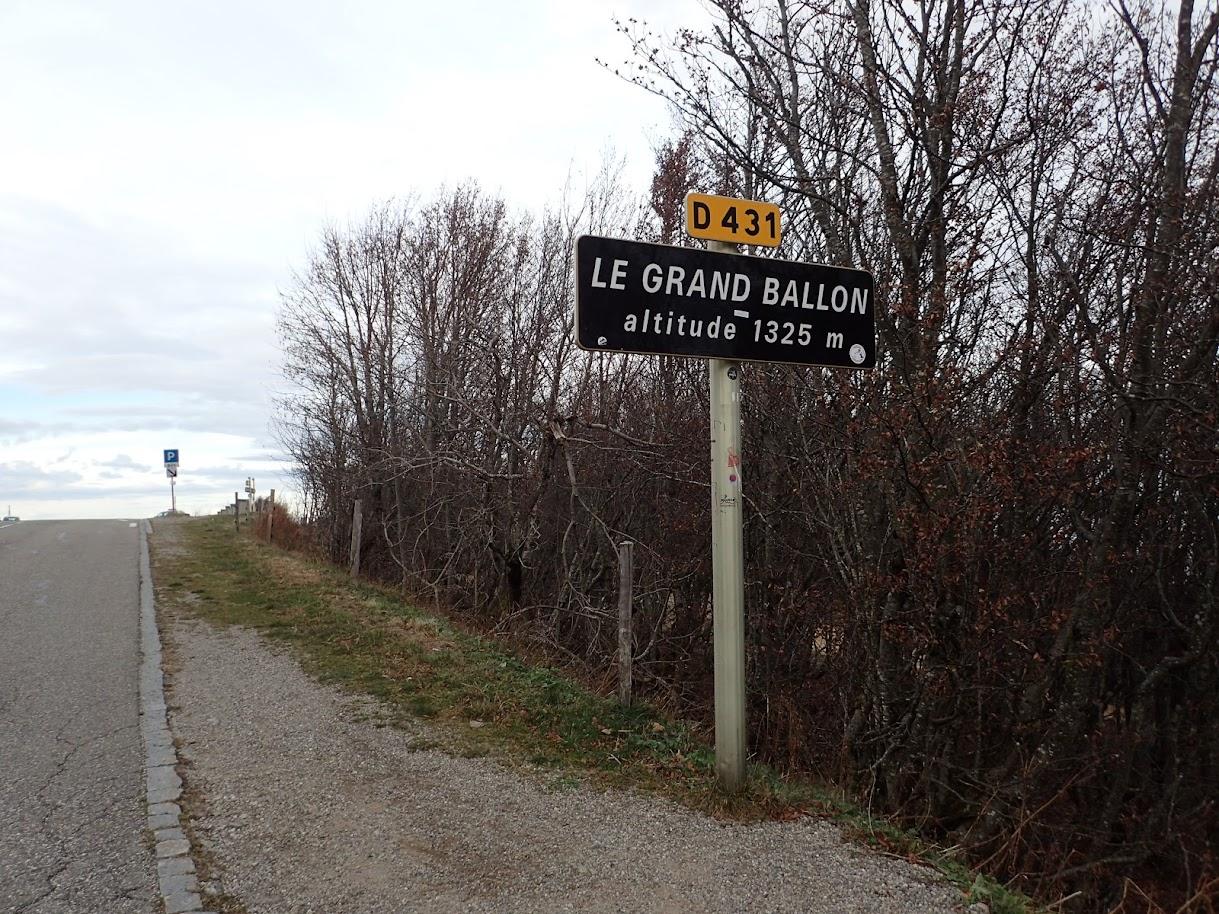 Ce panneau là est un talisman pour les cyclistes