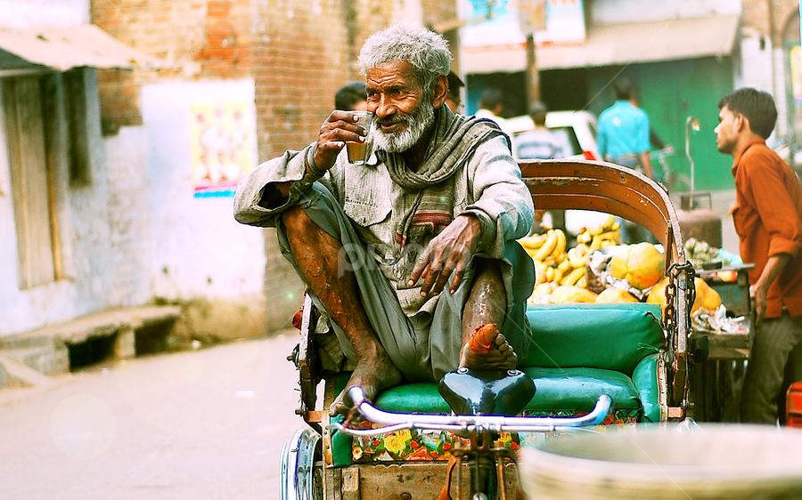 tea break by Usman Irani - People Street & Candids ( life, tea break, bruised, rickshaw puller, old man, battered, tea, , Travel, People, Lifestyle, Culture )