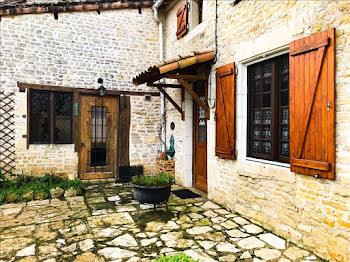maison à Lezay (79)