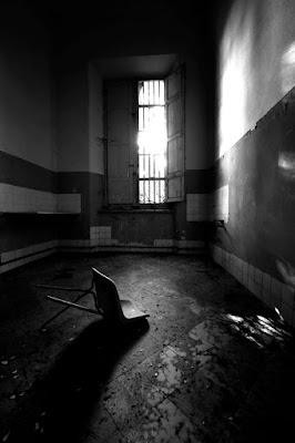 L'angoscia è l'anima in preda alle doglie. di ange_lalla