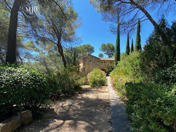 villa à Le Tholonet (13)