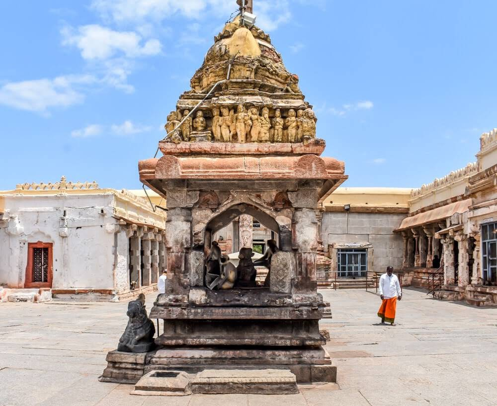 stone+structure+langur+virupaksha+temple+hampi+attractions