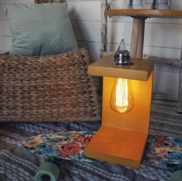 lampe design en béton jaune moutarde