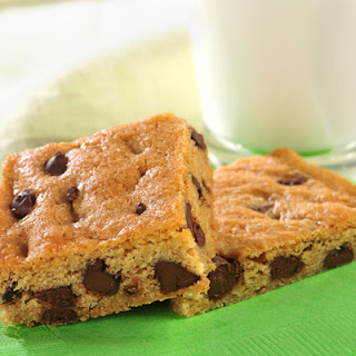 Nestlé® Toll House® Chocolate Chip Cookie Kit Pan Cookies or Bars Recipe