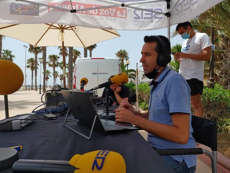 Fran García en el set de La SER