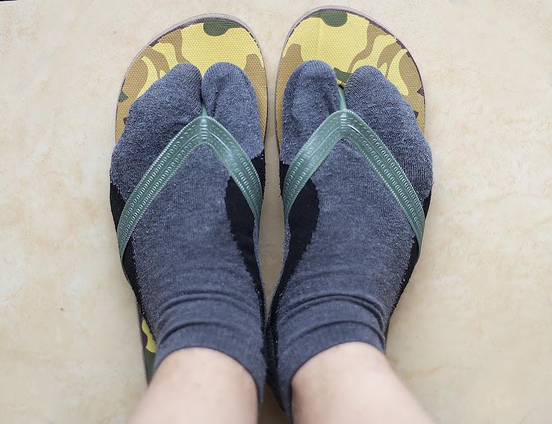 le calze con le ciabatte di gds75photo
