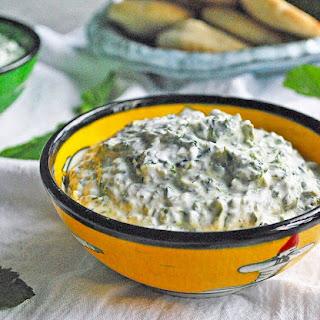 Mast o Esfenaj (Persian Yogurt and Spinach Dip).