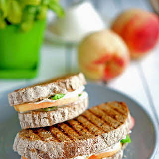 Sandwich with Peaches and Ricotta.