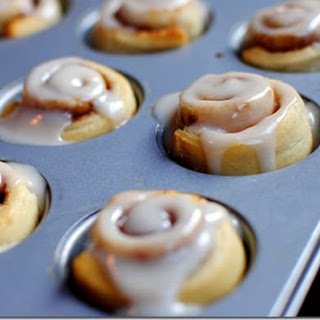 8 Minute Mini Cinnamon Rolls