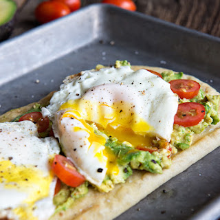 Egg and California Avocado Breakfast Flatbread #Recipe