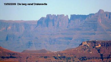 Photo: Vroegoggend as die lug skoon is, kan jy die oorsprong van die Tugelarivier vanaf die park sien