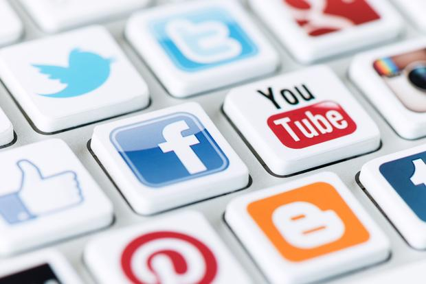 facebook-twitter-linkedin-ecole-superieure-des-transports