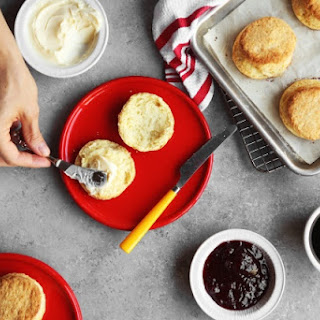 Buttery Layered Buttermilk Biscuits