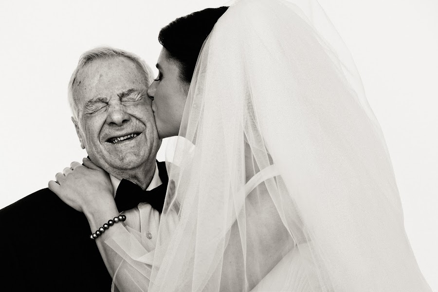 Wedding photographer Dmitriy Markov (eversummerdm). Photo of 20.05.2014