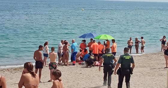 Muere una mujer en la playa de Aguadulce