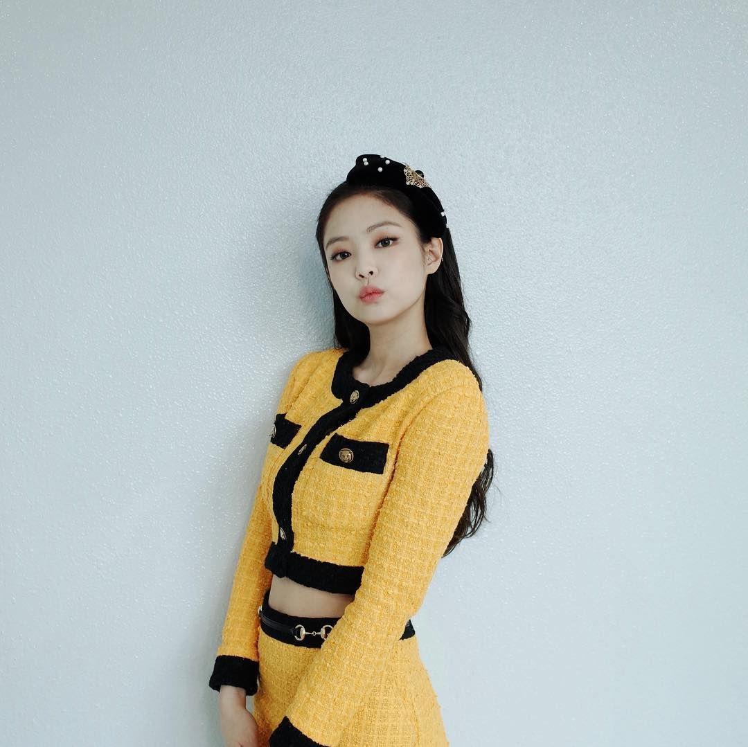 jennie yellow