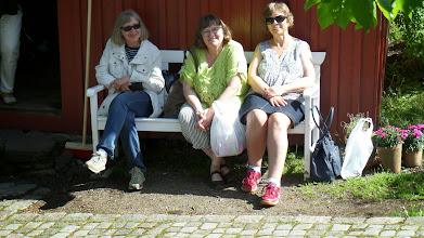 """Photo: """"Pikene på benken"""""""