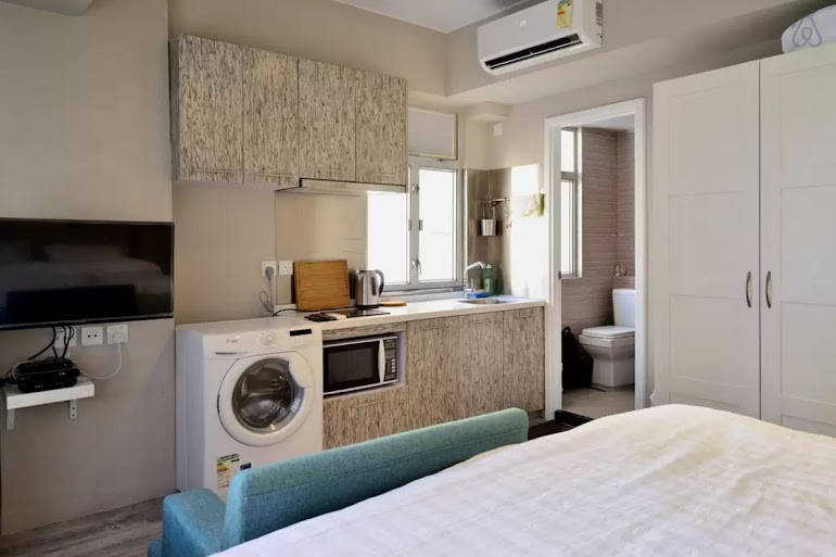 King sized bedroom at Hollywood Road Serviced Apartments, Central