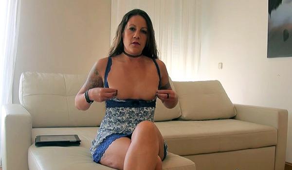 Soy la hermana de Susi MILF, y me follo al cornudo de su exnovio!! jajaja, Araceli ya llegaaaa
