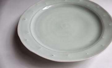 Photo: 青白磁 蛍手7寸皿