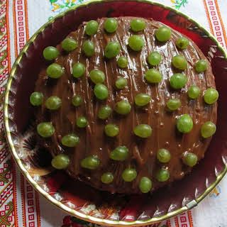 Cocoa Cake with Grapes.
