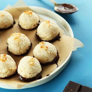 5 Ingredient Dark Chocolate Macaroons
