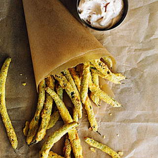 Green Bean Fries with Spicy Mayo