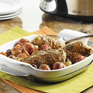 Quick and Delicious Slow Cooker Chicken & Potatoes.