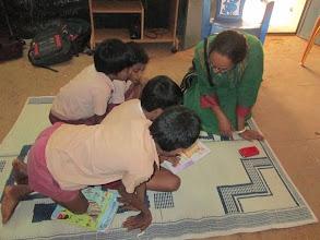 Photo: Rohini (Delhi) with children at Allikuzhi