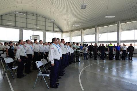 UNIDAD CANINA GRADÚA 13 GUÍAS Y 6 INSTRUCTORES DE DISTINTOS CUERPOS POLICIALES