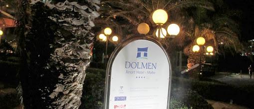 Photo: 13.10.07St Paul's Bay,Qawra : hôtel Dolmen,panneau enseigne extérieure
