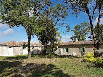 propriété à Saint-Martial-de-Mirambeau (17)