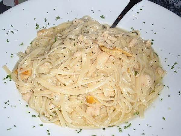 Tom Sellick's Linguine And Clam Sauce