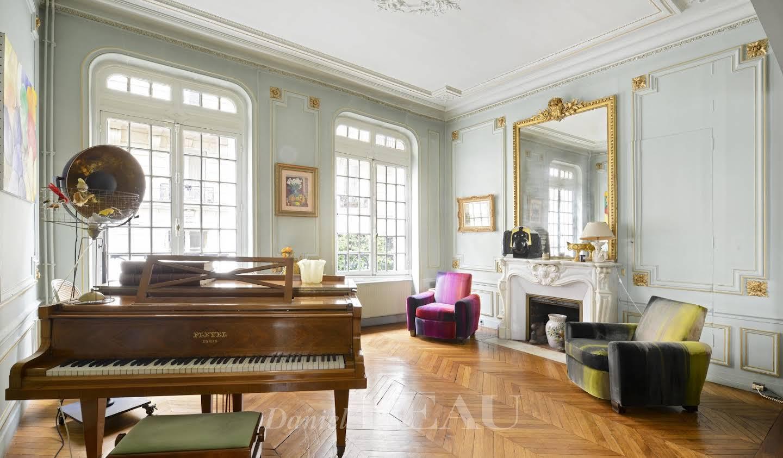 Bien atypique avec terrasse Paris 6ème
