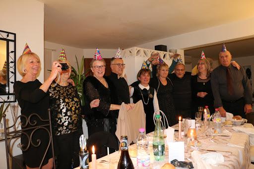 Un joyeux Nouvel An à l'Esclériade, chambre d'hôtes à Entrechaux en Provence