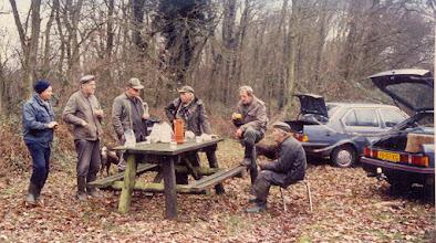 Photo: Jacht schoften 1992 v.l.n.r. ??, Lambert Hadderingh, Arent Vedder, ?? , Geert Lanjouw en Barelt Schuiling