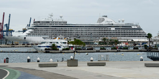 seven-seas-explorer-in-valencia-2.jpg - Seven Seas Explorer docked in Valencia, Spain.