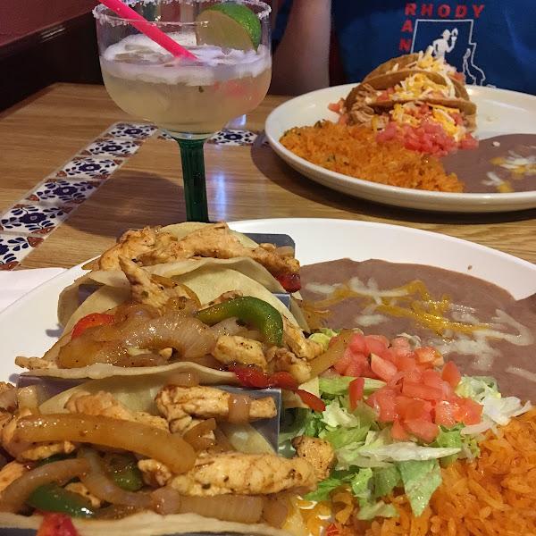 Chicken fajita tacos with corn tortillas