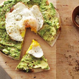 Avo & Egg Breakfast Pizza
