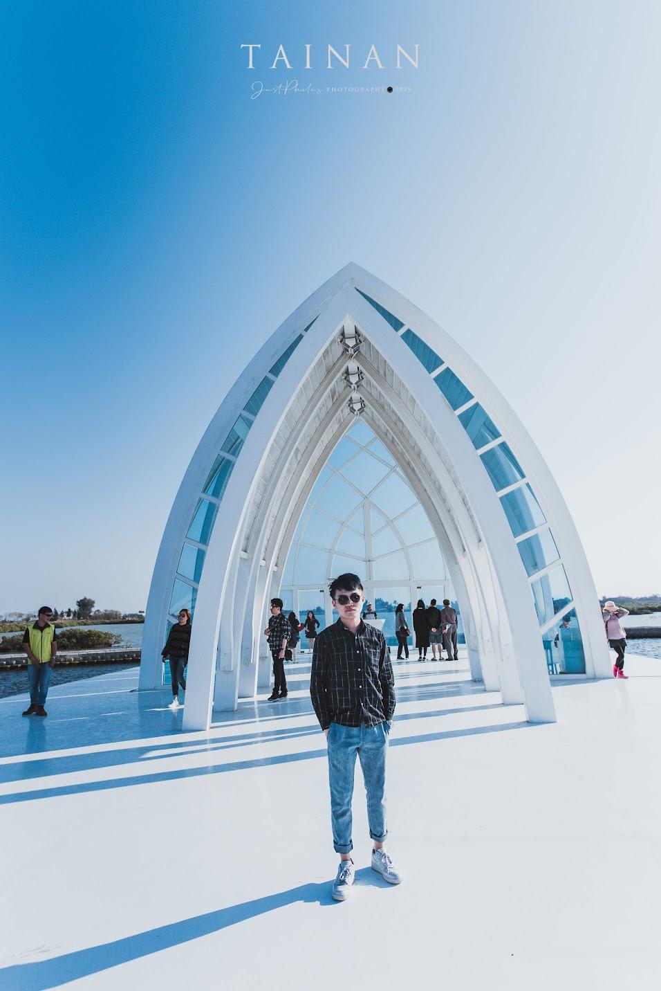 在北門水晶教堂拍攝人像照片不管怎麼拍都好看,是再好不過的選擇。