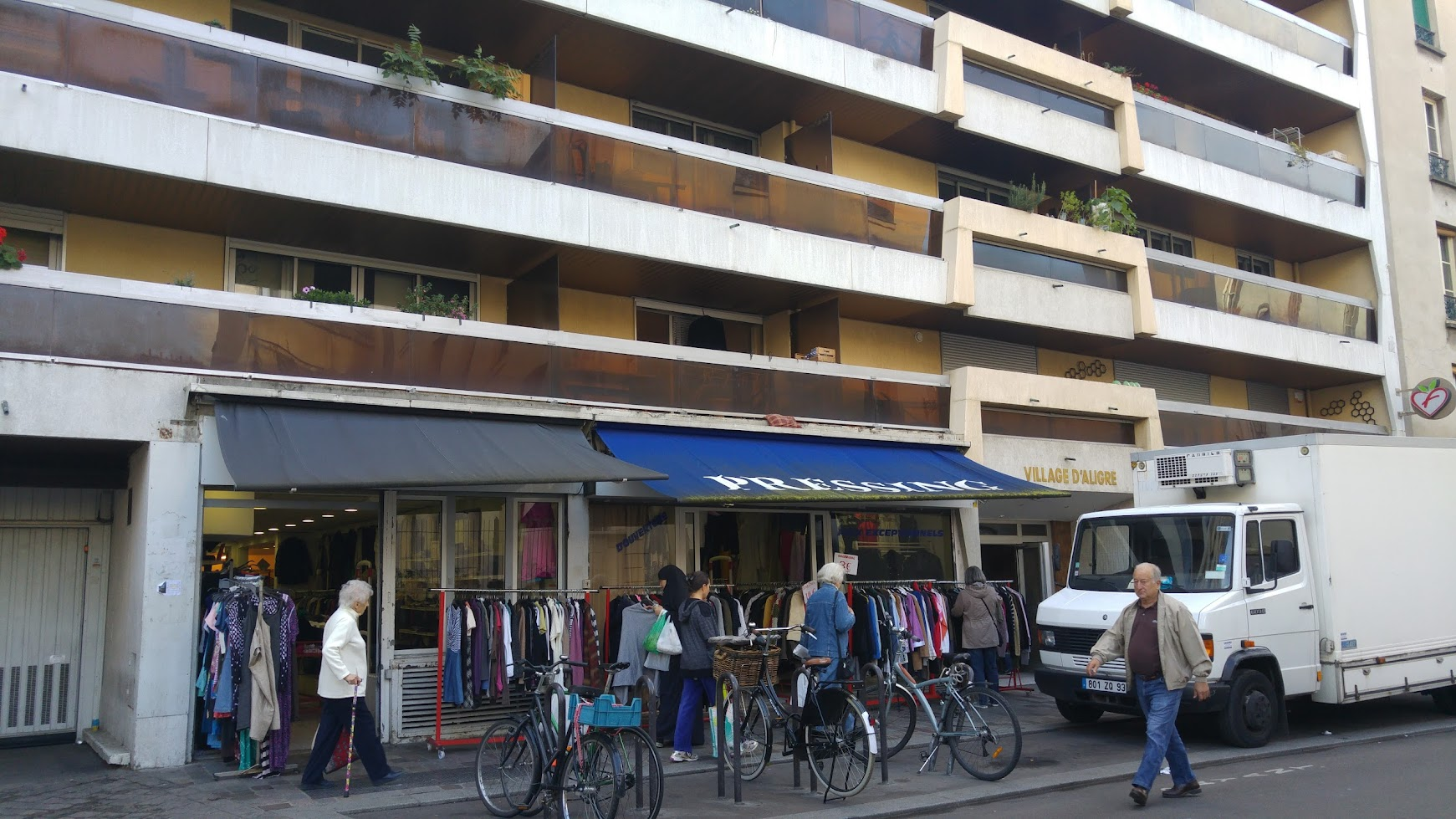 Thrift Stores Around the World – Paris, Rue D'Aligre