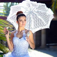 Wedding photographer Vitaliy Sarkisov (Vitaliphoto). Photo of 05.10.2014
